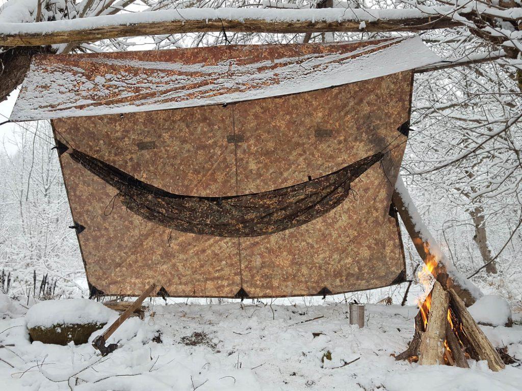 Camping-cu-hamacul- outdoor-bushcraft